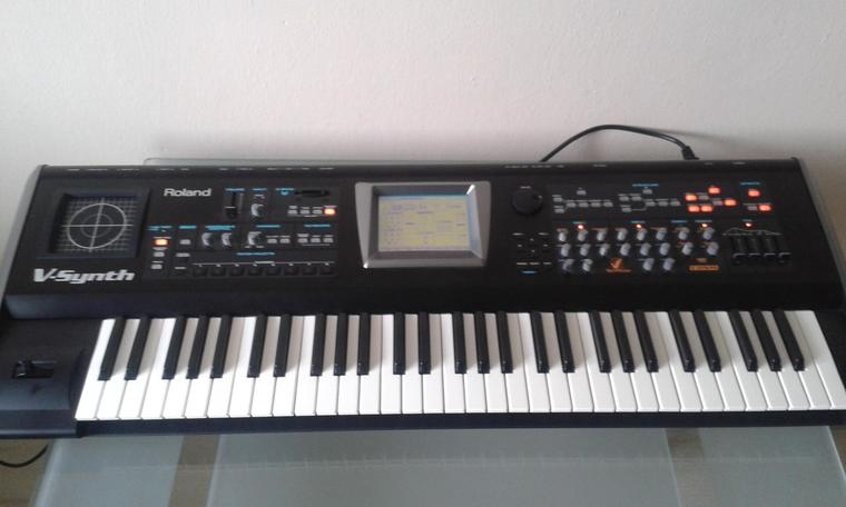 Roland V-Synth+V-Card D-50